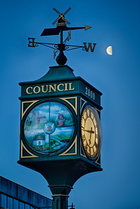 The Clock was erected for the Millennium. It is situated at the junction of Bellingham Lane and Rayleigh High Street.