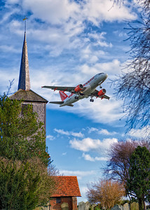 Easyjet plane taking off at Soutjhend Airport